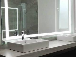 AR ALUMINIO & CRISTAL Modern bathroom Glass