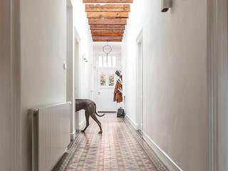 Renovatie klassieke villa Landelijke gangen, hallen & trappenhuizen van Kraal architecten Landelijk