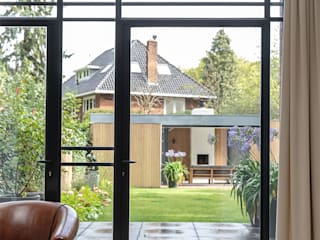 Transformatie van kantoor naar woonhuis Moderne serres van Kraal architecten Modern