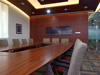 Rossari Biotech Ltd. 18000 Sq.ft office with laboratory. It is design on green building guidelines. Modern offices & stores by Space Design Group - Mulund W Modern