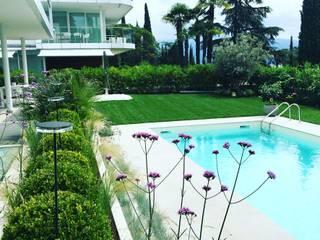 Giardino Moderno Gardone Riviera di CSC CASERTA GIARDINI Mediterraneo