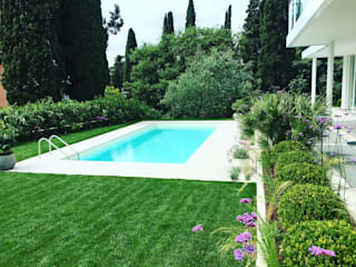 Giardino Moderno Gardone Riviera Giardino in stile mediterraneo di CSC CASERTA GIARDINI Mediterraneo
