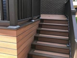 Escaleras. Marca Trex ADI100202P2A Balcones y terrazas minimalistas Compuestos de madera y plástico Acabado en madera