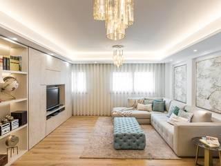 Classic style living room by Glim - Design de Interiores Classic