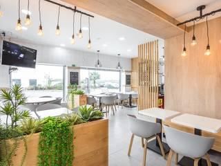 Estudios y despachos de estilo moderno de Glim - Design de Interiores Moderno