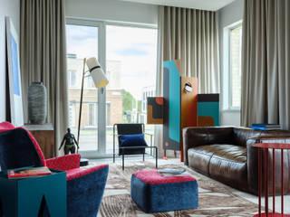 Отделка интерьера трехкомнатной квартиры в Москве Гостиная в классическом стиле от ВАШ МАСТЕРЪ строительно-отделочная компания Классический