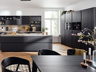 Spitzhüttl Home Company Built-in kitchens Black