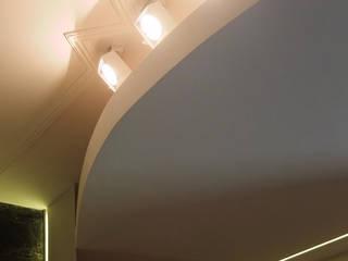OPA Architetti Livings de estilo moderno Blanco
