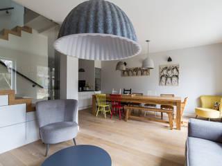 Scandinavian style dining room by HouseStudio Scandinavian