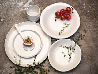 Deborah Garth Interior Design International (Pty)Ltd KitchenCutlery, crockery & glassware Pottery White