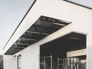 Casa VV.LS por Xavier Ávila arquitetos Moderno