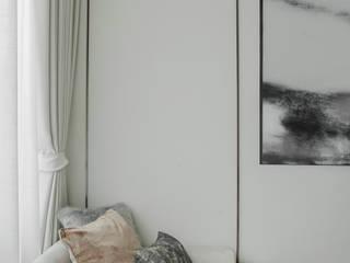 Blue and White bedroom show house The pavilla residence - hypestudio Hypestudio กำแพง ไม้ White