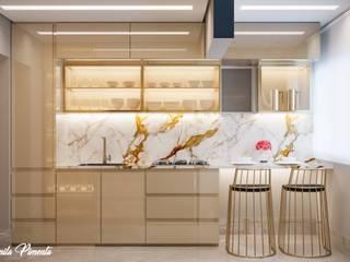 Camila Pimenta | Arquitetura + Interiores Cocinas pequeñas Madera Beige