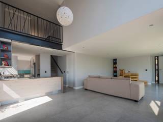 Cluster development in Johannesburg Modern living room by LEAF Architects Modern