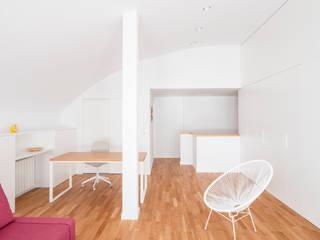 Modern study/office by negrosobreazul Modern