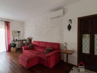 Ristrutturazione appartamento di 90 mq a Milano, Cimitero Monumentale Soggiorno moderno di RMA srl - Ristrutturazioni da ManuAle Moderno