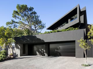 HOUSE CRANBERRY | CAMPS BAY Wright Architects Double Garage Black
