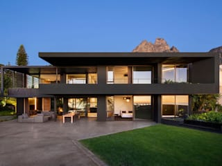 HOUSE CRANBERRY | CAMPS BAY Wright Architects Single family home Black