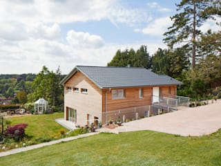 House Crowley: a Compact eco Home Casas campestres por Baufritz (UK) Ltd. Campestre
