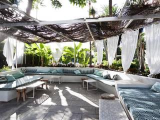 Terraza chill out Bares y clubs de estilo mediterráneo de DyD Interiorismo - Chelo Alcañíz Mediterráneo