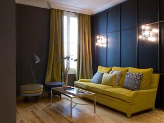 Showroom Guell Lamadrid Salones de estilo clásico de DyD Interiorismo - Chelo Alcañíz Clásico