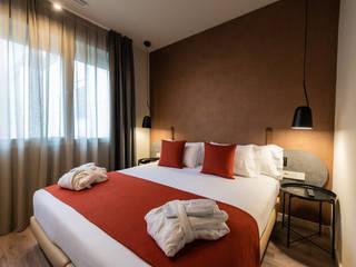 Hotel Rekord Hoteles de estilo moderno de DyD Interiorismo - Chelo Alcañíz Moderno