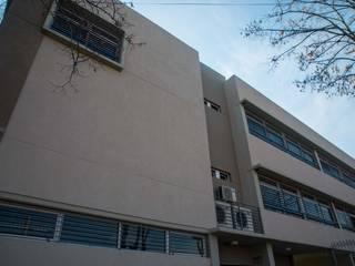 Edificio educación escuela primaria Escuelas de estilo moderno de TRIXX Moderno