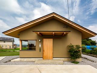 Moderne huizen van 中山大輔建築設計事務所/Nakayama Architects Modern
