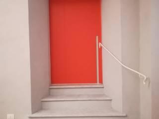 Porta scorrevole Ghost con binario a scomparsa Opendoor Italia Porte scorrevoli Arancio