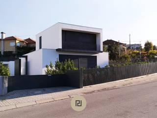 CASA DA RIBEIRA   Britelo, Celorico de Basto. (Processo Construtivo) por PERCENTAGEM PLURAL Moderno