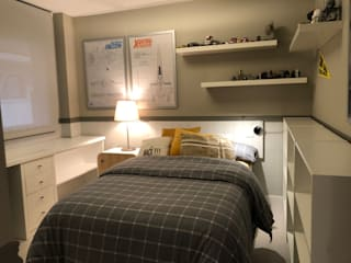 DORMITORIOS JUVENILES PARA GRANDES CHICOS Ismael Blázquez | MTDI ARQUITECTURA E INTERIORISMO Dormitorios de estilo ecléctico Madera Gris