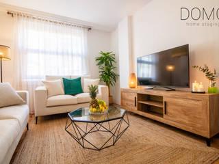 Diseño de interiores y Home Staging en un Apartamento Turístico Vacío, Valencia Domo Home Staging Salones de estilo moderno