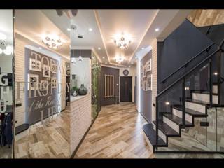 Коридор, прихожая и лестница в эклектичном стиле от ReinaDesignGroup Эклектичный