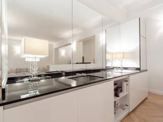 Ristrutturazione appartamento Via Mameli - Milano Cucina moderna di CasaProgettata.it Moderno