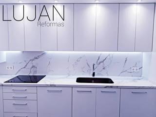 REFORMAS LUJAN Dapur built in Ubin White