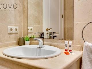 Home Staging en un Apartamento Vacacional en Murcia Domo Home Staging Baños de estilo moderno