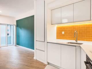 Apartamento Estefânia Cozinhas modernas por meta.atelier Moderno