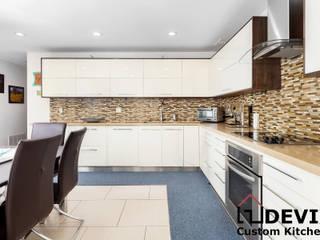 Kitchen cabinets in Toronto by Devix kitchens Modern