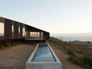 Casa Estirada Piscinas de estilo minimalista de Whale! Minimalista