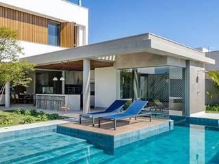 Residência DF Piscinas modernas por Otta Albernaz Arquitetura Moderno