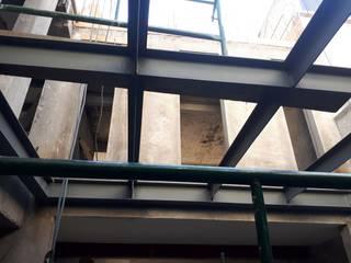 Santuario arquitectura + Einfamilienhaus Eisen/Stahl