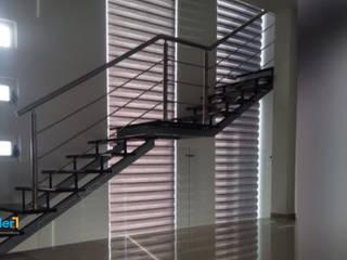 Residencia Lomas Lynder Constructora e Inmobiliaria Escaleras Hierro/Acero Multicolor