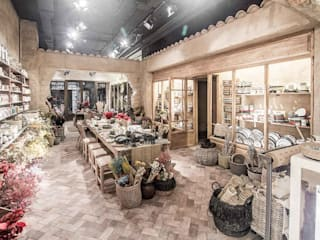Ofelia Concept Store en Castellón Oficinas y tiendas de estilo mediterráneo de Francisco Segarra Mediterráneo