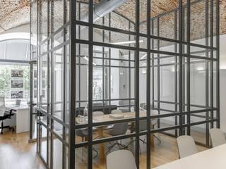 Ruang Komersial Modern Oleh Spaceroom - Interior Design Modern