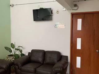 CLINICA CARRIZALES TECNIQRO Soluciones en IT Pasillos, vestíbulos y escaleras industriales