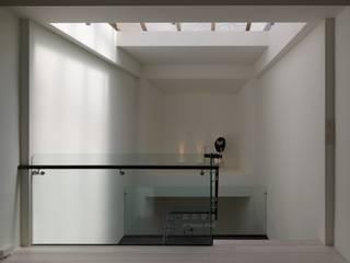 Z CASA 文昌店 光影要動的舞台 根據 大器聯合室內設計有限公司 工業風
