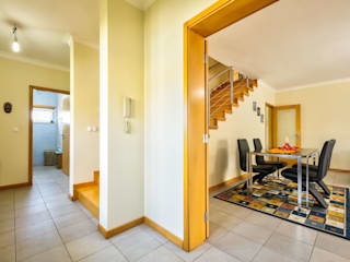Moradia T3 - Como Nova, Pronta a Habitar! Azurva, Aveiro Salas de estar modernas por Next House Moderno