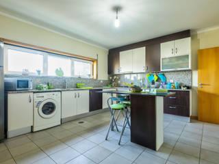 Moradia T3 - Como Nova, Pronta a Habitar! Azurva, Aveiro Cozinhas modernas por Next House Moderno