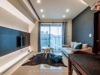 迷人!深色系 小宅 现代客厅設計點子、靈感 & 圖片 根據 灰石空間設計 現代風