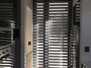 DIVERSA INTERIORISMO Windows & doors Blinds & shutters